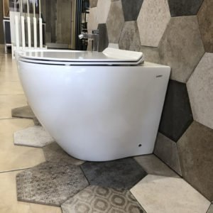 sanitari wc bidet a terra filo muro ceramica bianca arredo bagno